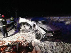 VIDEO Șoferul unui autoturism a murit după ce s-a ciocnit cu un autobuz, pe DN1