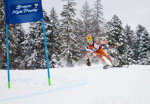 Copiii se întrec la schi alpin. A doua ediție Brașov Kids Trophy, gata de start