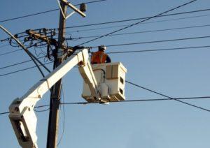 Se întrerupe curentul electric în două localități din județul Brașov