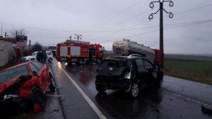 Accident cu o victimă pe DN 13, la ieșirea din Feldioara. Traficul este blocat (Foto)