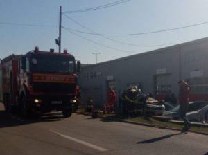 Accident pe strada Brazilor. Maşină răsturnată