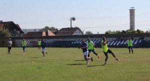40 de jurnaliști din Europa vin la Zărnești, la un meci de fotbal din liga a patra