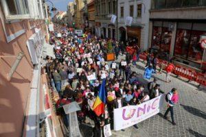 """Peste 700 de brașoveni au participat la """"Marșul pentru Viață"""" (Foto)"""