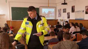 Poliţişti locali, în vizită la un colegiu din Braşov