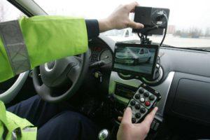 Şoferiţă vitezomană din Brașov, prinsă cu 112 km/h într-o localitate din Argeș