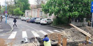 Compania Apa blochează strada Bisericii Române