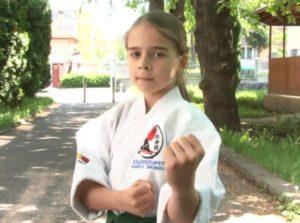 O sportivă din Brașov este dublă campioană națională (VIDEO)