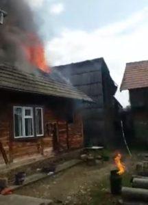 VIDEO Explozie de butelie, urmată de incendiu