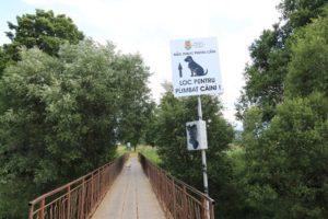 Parcul destinat câinilor de companie din Făgăraș, vandalizat la două săptâmâni de la inaugurare
