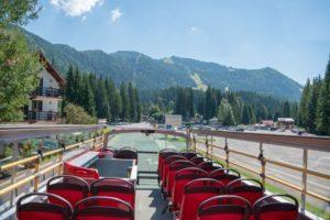 FOTO Autobuzul etajat al Consiliului Județean a fost repus în circuitul turistic de Primăria Brașov