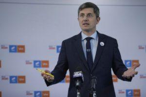 Lumeapolitica.ro: Fosta firmă a lui Dan Barna a umplut simpatizanții USR de bani europeni