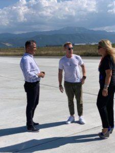 Ronan Keating, pasagerul de lux care a inaugurat pista Aeroportului Internațional Brașov – Ghimbav (FOTO)