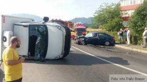 Accident spectaculos între un autoturism și o autoutilitară, pe strada Minerva