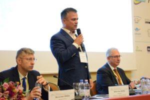 """Conferință la Brașov: """"Industria aeroportuară în România – prezent și viitor"""""""