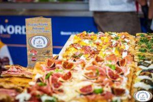 Românii care sunt profesorii pizzari-lor din Italia au înființat o asociație profesională acasă