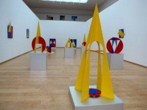 """Expoziția """"Ingo Glass – Formă, lumină, culoare, spațiu"""""""