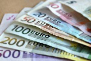 Al patrulea maxim al euro din septembrie
