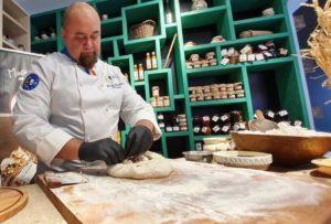 """Chef Radu Zărnescu: """"O mâncare corectă înseamnă una cum era odinioară, naturală, ecologică, biologică."""
