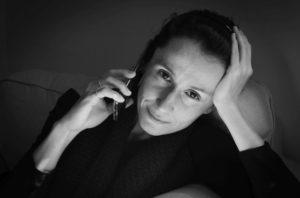 Brașoveanca Raluca Mihăilă, autoarea  primei cărți despre viața de corporație din România, invită la imaginație în pandemie