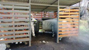 Măsuri de prevenție: Comprest dezinfectează boxele de gunoi din cartiere