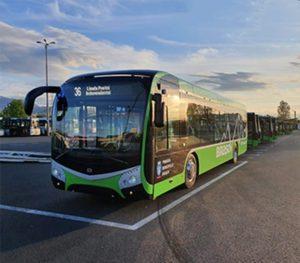 Primul autobuz electric, fabricat în Cehia, a ajuns la Braşov (Foto)