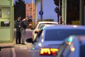MAE: 16 români au fost depistați cu Covid-19 în Grecia. Autoritățile elene spun că ar fi vorba de 61 de persoane