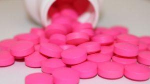 VIDEO Specialiștii susțin că nu s-a dovedit ştiinţific că ibuprofenul ar avea efecte negative asupra organismului în cazul unei infectări cu noul coronavirus