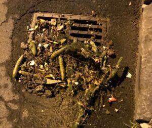 Reprezentanții Companiei Apa explică de ce s-a înfundat canalizarea de pe Strada Stadionului