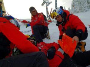 Persoane rănite grav pe pârtiile din Poiana Brașov, în prima zi din an