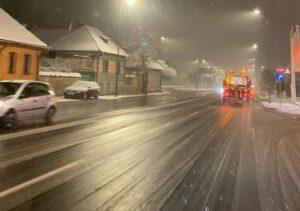 Cum s-a deszapezit azi-noapte şi în această dimineaţă în municipiul Braşov