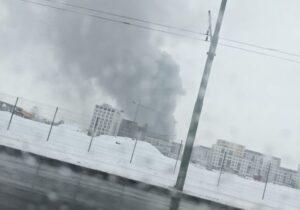 VIDEO Incendiu la o hală dezafectată în zona Coresi – Triaj