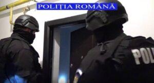 VIDEO Ce au găsit polițiștii azi la percheziţiile făcute la hoții de componente auto