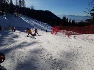 Avertizare Salvamont Brașov: Schimbarea consistenței zăpezii crește riscul producerii unor accidente