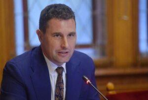 Ministrul Mediului, despre urşii ajunşi în preajma schiorilor: Este o situaţie extrem de periculoasă. O soluție ar fi îngrădirea pârtiilor