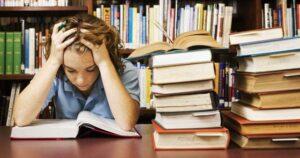 Barometru educațional: Peste 67% dintre elevii brașoveni cred că școala nu este un mediu motivant pentru învățare