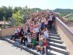 VIDEO 90 de copii din Budila au vizitat pentru prima dată în viața lor Grădina Zoologică!