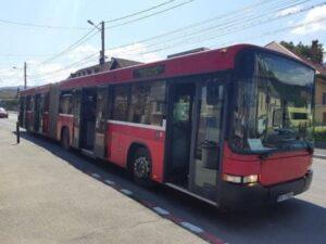 Elevii din Săcele vor beneficia în continuare de transport gratuit